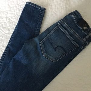 Practically brand new American Eagle skinny jeans!